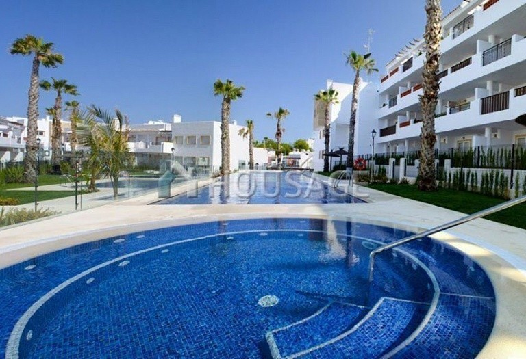3 bed apartment for sale in Orihuela Costa, Spain - photo 4