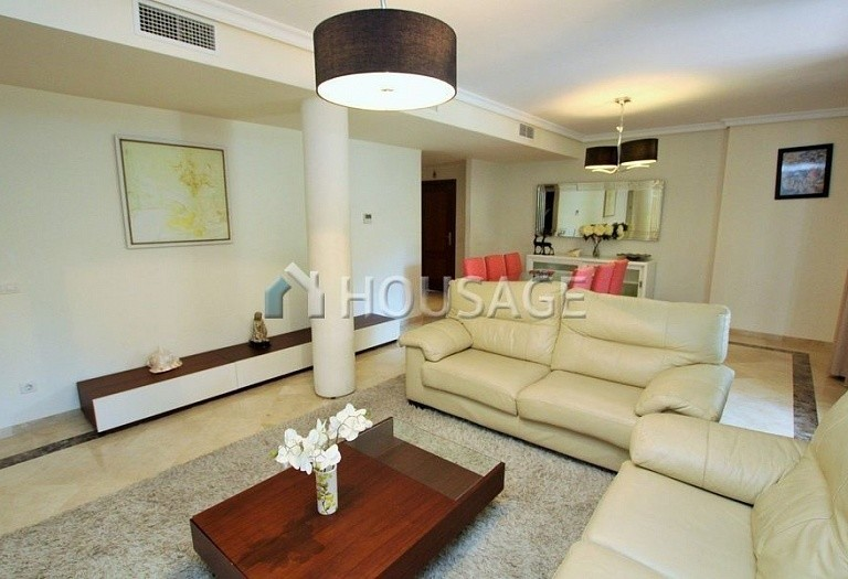 Apartment for sale in Puerto Banus, Marbella, Spain, 151 m² - photo 4