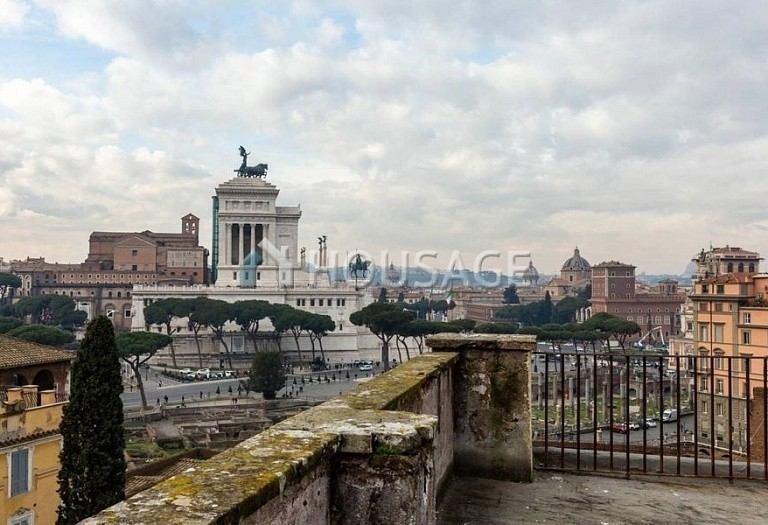 3 bed flat for sale in Rome, Italy, 200 m² - photo 19