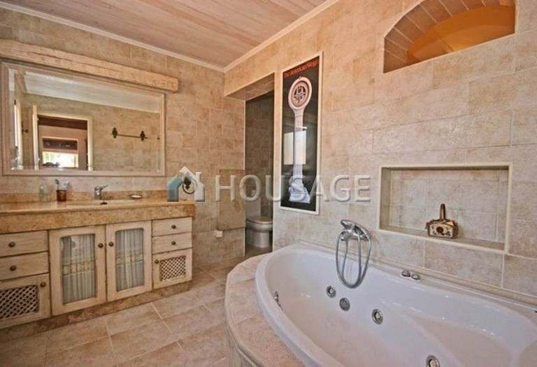 Villa for sale in San Pedro de Alcantara, Spain, 220 m² - photo 7