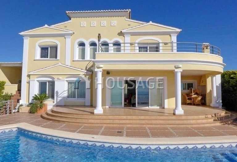 4 bed villa for sale in Altea, Altea, Spain - photo 1
