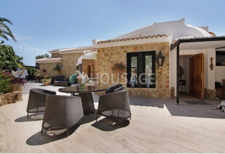 6 bed townhouse for sale in Benisa, Spain, 700 m² - photo 2