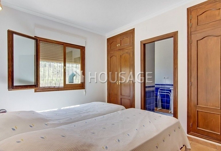 3 bed a house for sale in Calpe, Spain, 200 m² - photo 6