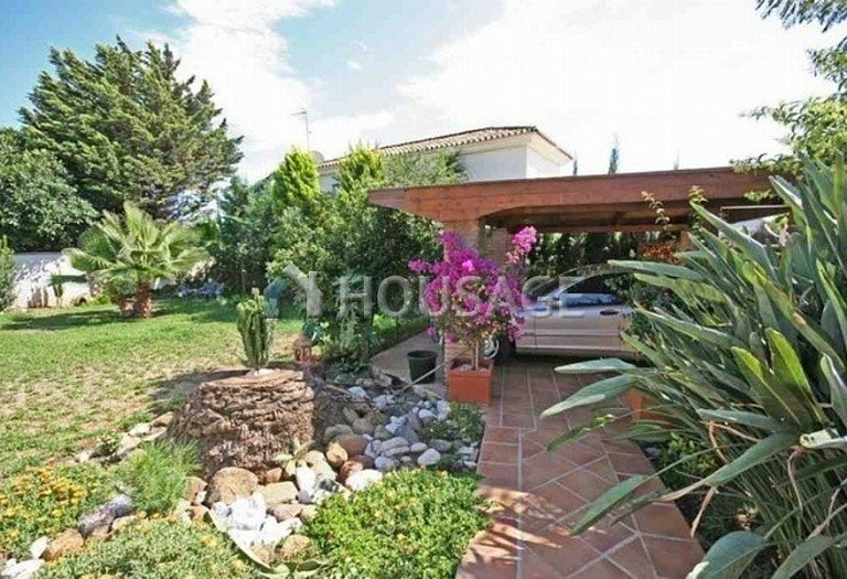 Villa for sale in San Pedro de Alcantara, Spain, 220 m² - photo 12