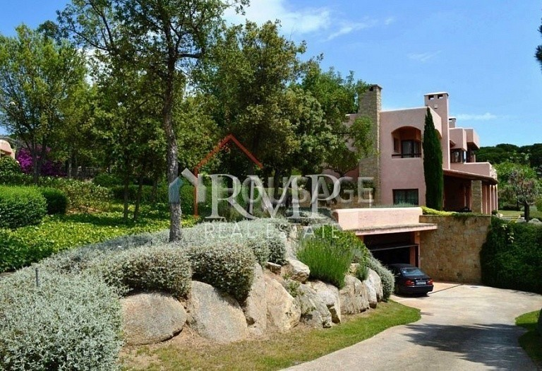 6 bed a house for sale in San Pol de Mar, Spain, 525 m² - photo 2