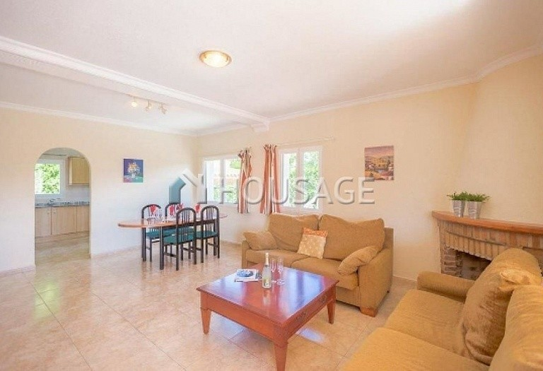 12 bed villa for sale in Calpe, Calpe, Spain, 800 m² - photo 3