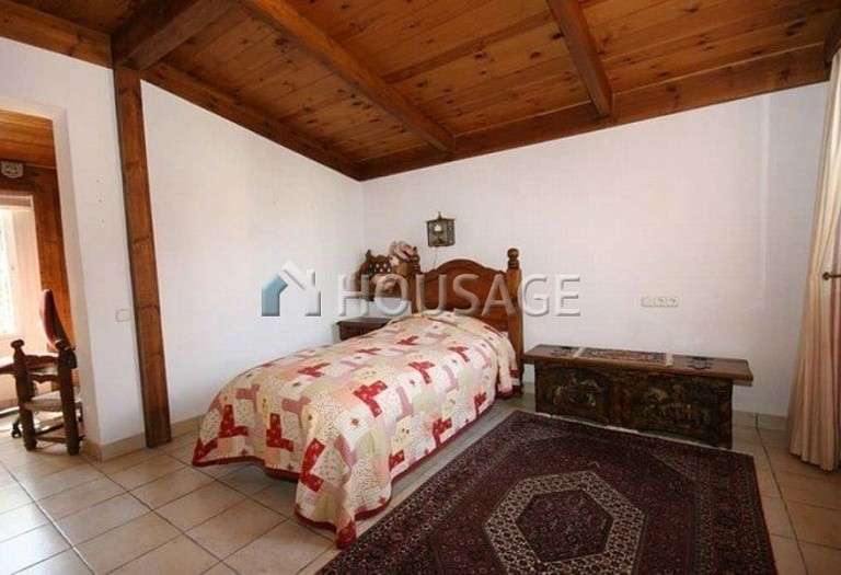 Villa for sale in San Pedro de Alcantara, Spain, 220 m² - photo 8