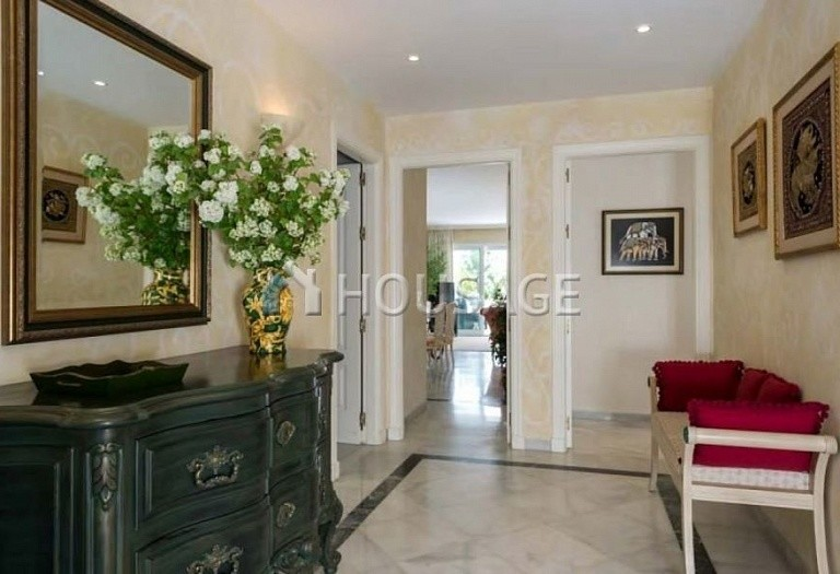 Apartment for sale in Bahia de Marbella, Marbella, Spain, 181 m² - photo 16