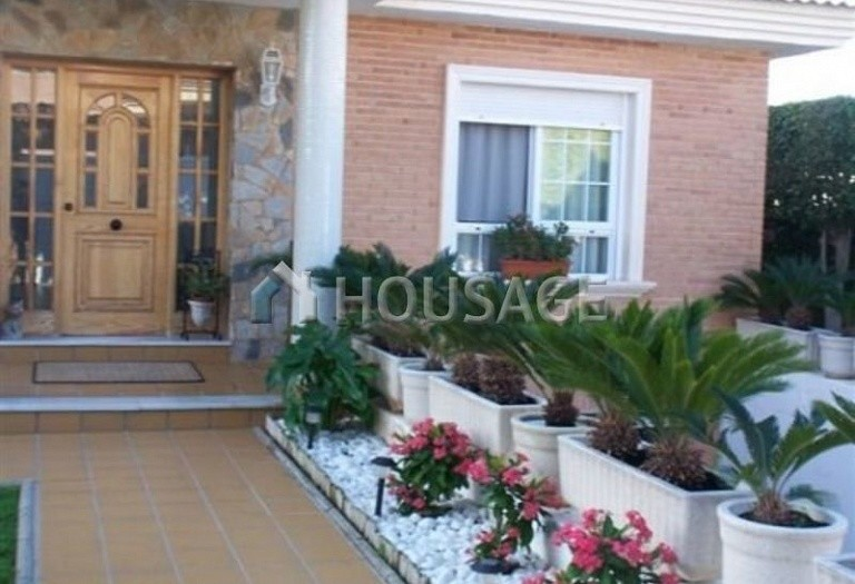 5 bed villa for sale in Torrevieja, Spain - photo 2