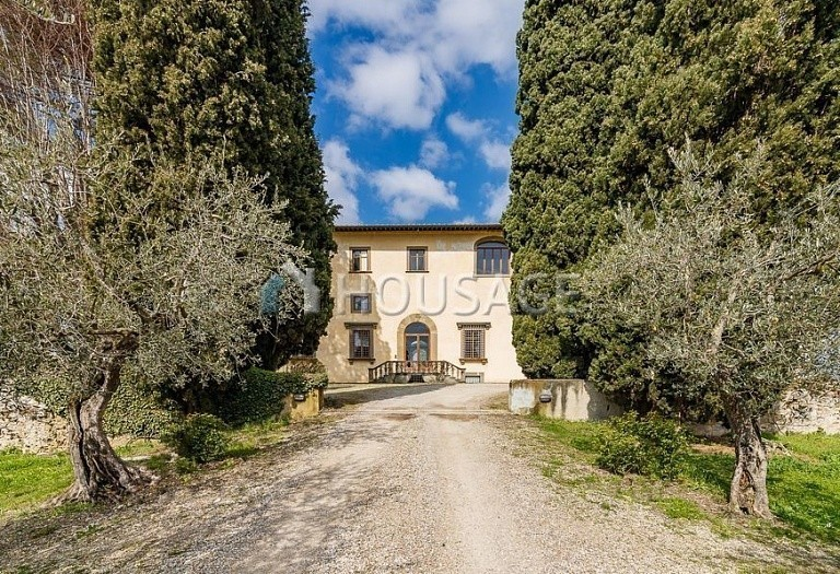 9 bed villa for sale in Florence, Italy, 2800 m² - photo 45