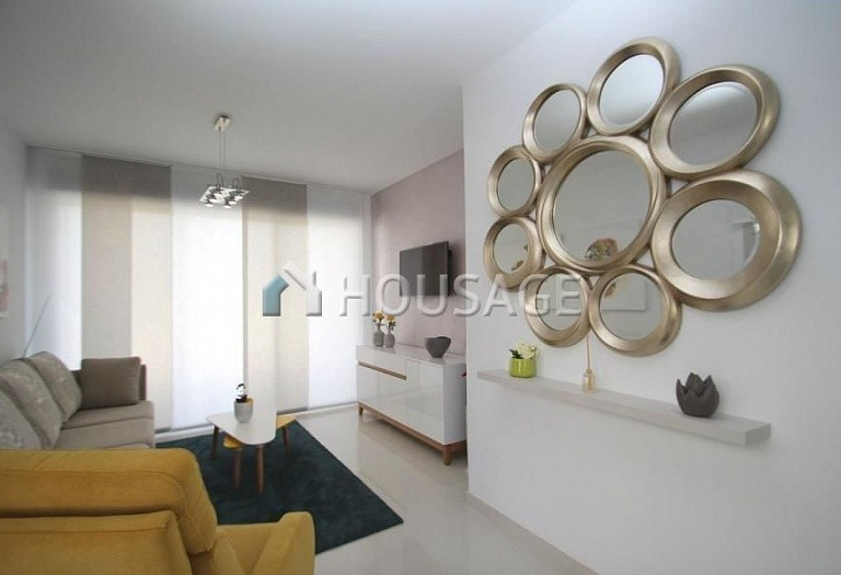 2 bed apartment for sale in Guardamar del Segura, Spain, 69 m² - photo 4