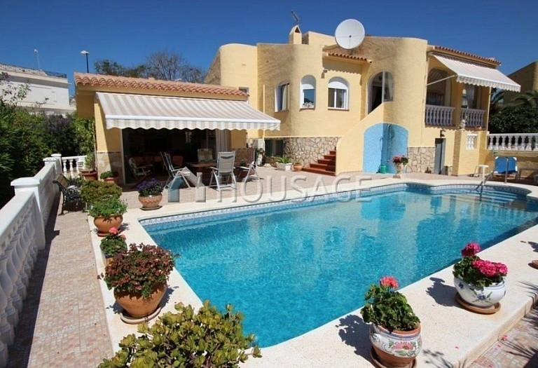 3 bed villa for sale in La Nucia, Spain, 120 m² - photo 1