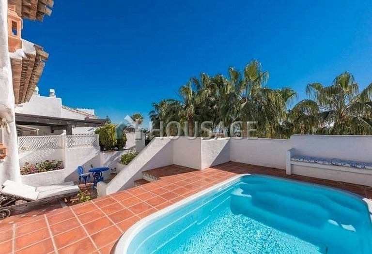 Flat for sale in Marbella Golden Mile, Marbella, Spain, 215 m² - photo 4