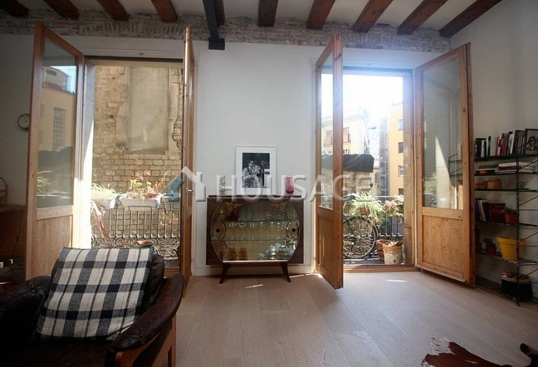 3 bed flat for sale in Gothic Quarter, Barcelona, Spain, 140 m² - photo 4