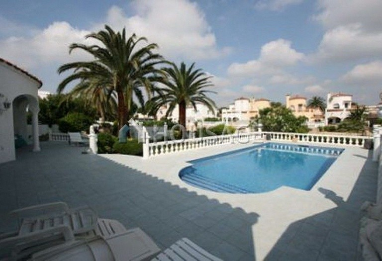 4 bed a house for sale in Rosas, Spain, 201 m² - photo 2