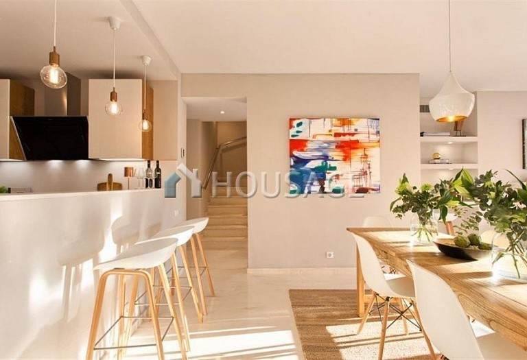 Apartment for sale in Benahavis, Spain, 192 m² - photo 7