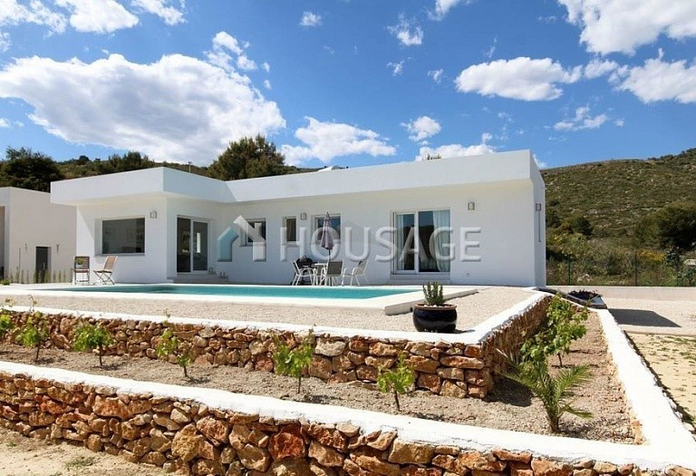 3 bed villa for sale in Benitachell, Spain, 120 m² - photo 1