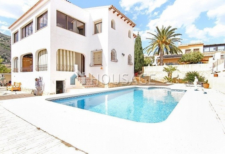 4 bed villa for sale in Calpe, Spain, 200 m² - photo 1