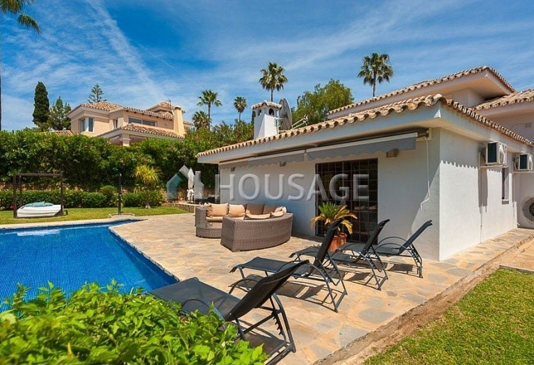 Villa for sale in El Rosario, Marbella, Spain, 246 m² - photo 7