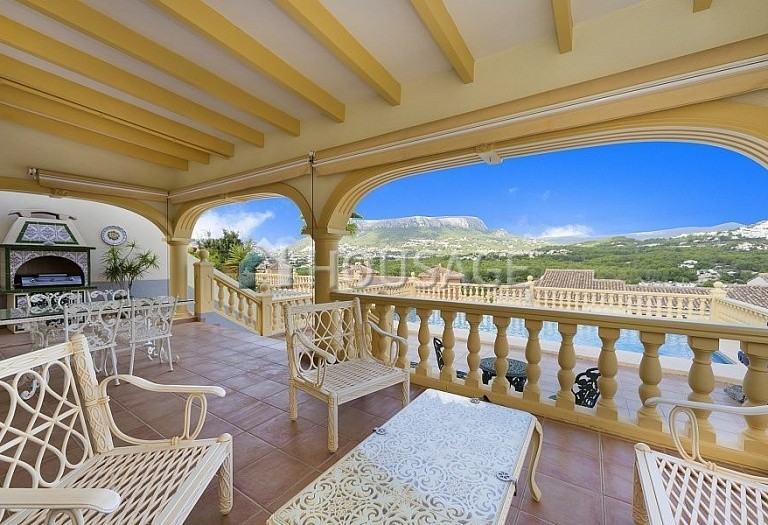 4 bed villa for sale in Calpe, Spain, 205 m² - photo 2