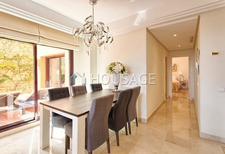 Apartment for sale in Los Almendros, Benahavis, Spain, 189 m² - photo 5