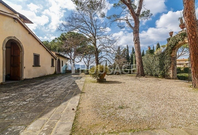 9 bed villa for sale in Florence, Italy, 2800 m² - photo 65