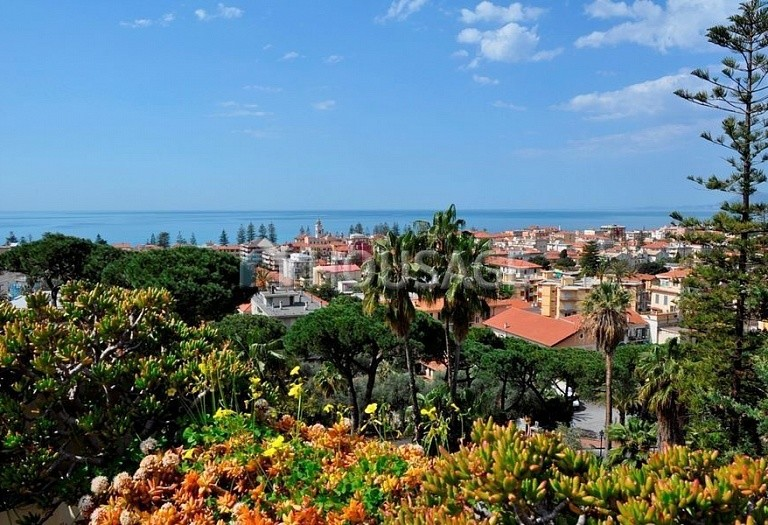 3 bed flat for sale in Bordighera, Italy, 205 m² - photo 24