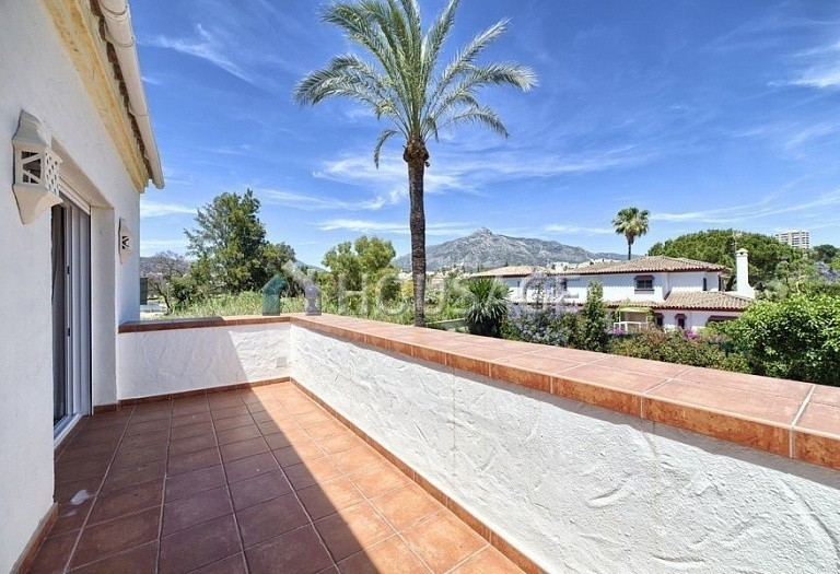 Villa for sale in Nueva Andalucia, Marbella, Spain, 366 m² - photo 8