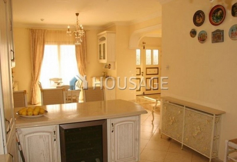 4 bed villa for sale in Coral Bay, Pafos, Cyprus, 200 m² - photo 6