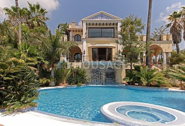 Villa for sale in El Madronal, Benahavis, Spain, 2020 m² - photo 1