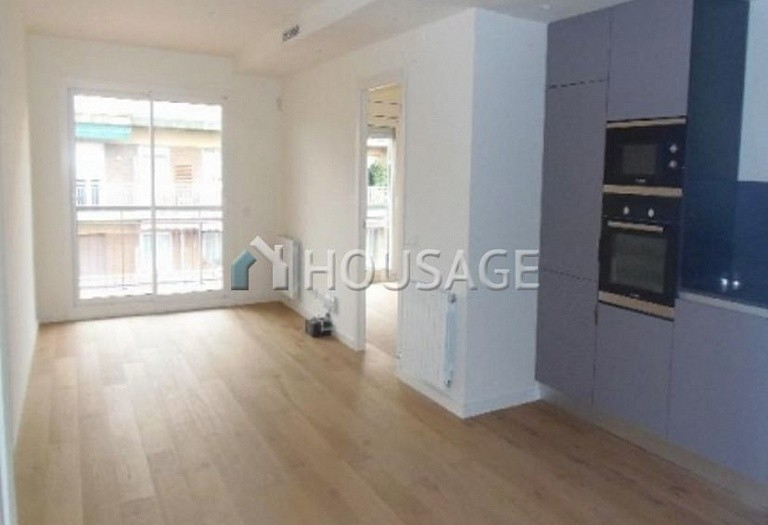 3 bed flat for sale in Barcelona, Spain, 95 m² - photo 1