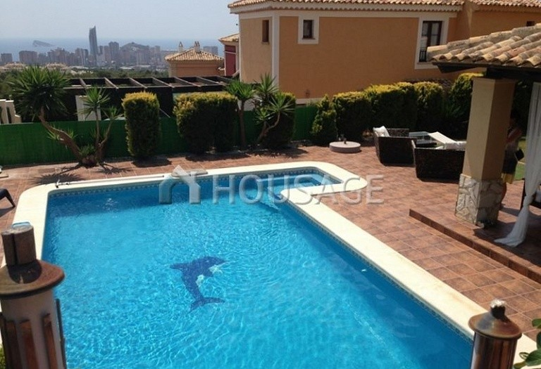 4 bed villa for sale in Benidorm, Spain, 190 m² - photo 1