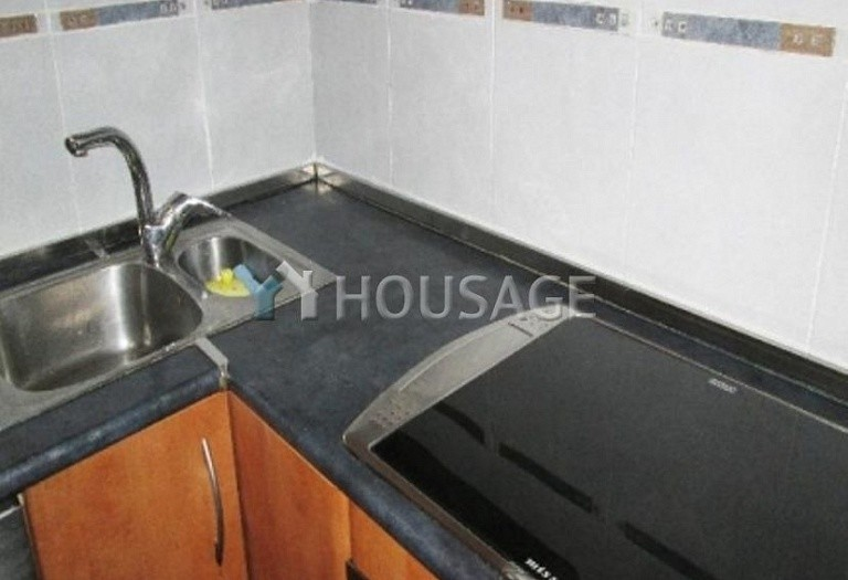 4 bed flat for sale in Hospitalet, Spain, 97 m² - photo 2