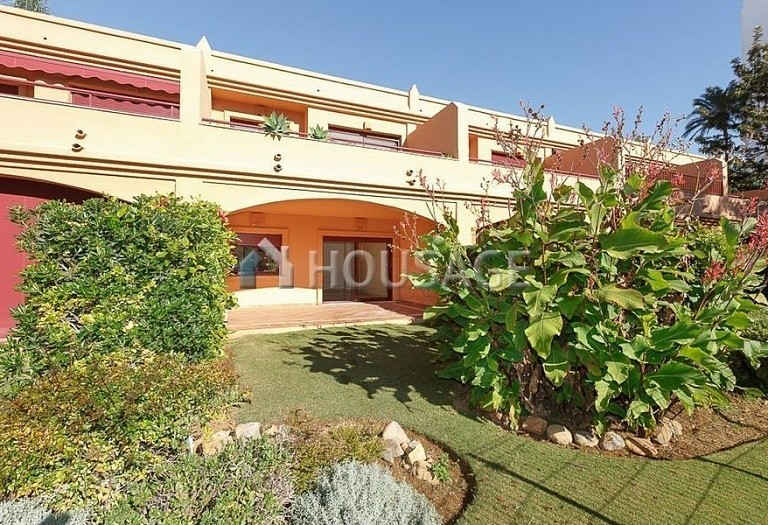 Townhouse for sale in Estepona, Spain, 192 m² - photo 2
