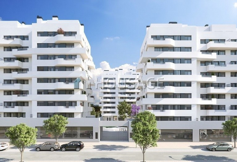 3 bed flat for sale in Alicante, Spain, 111 m² - photo 2