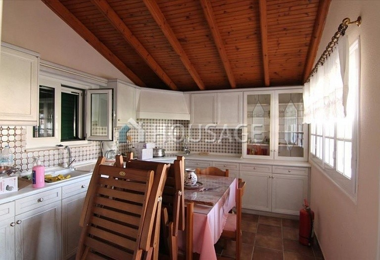 3 bed a house for sale in Sinarades, Kerkira, Greece, 180 m² - photo 3